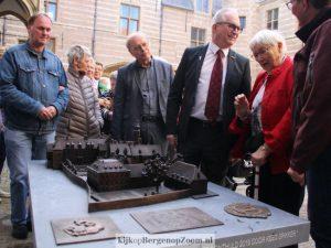 Opening van de maquette van het Markiezenhof.